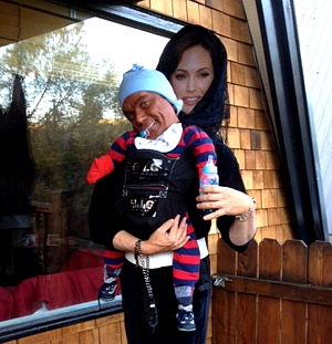 Funny Halloween costume - Angelina Jolie and Her Kid  sc 1 st  Costume Works & Celebrity Costume Ideas For Halloween - Costume Works